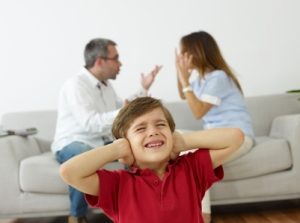 parent%20fightingiStock_000015037002XSmall