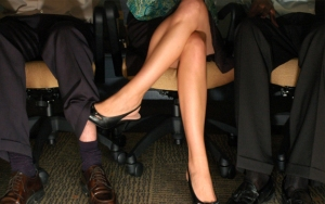 10-Ways-to-Resist-office-Affair